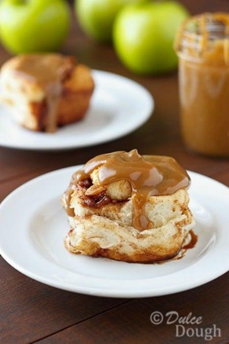 Caramel-Apple-Cinnamon-Roll_thumb2_thumb