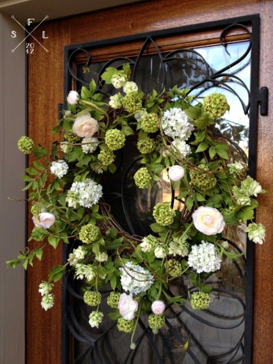 DIY-Spring-Wreath-Tutorial-525x699