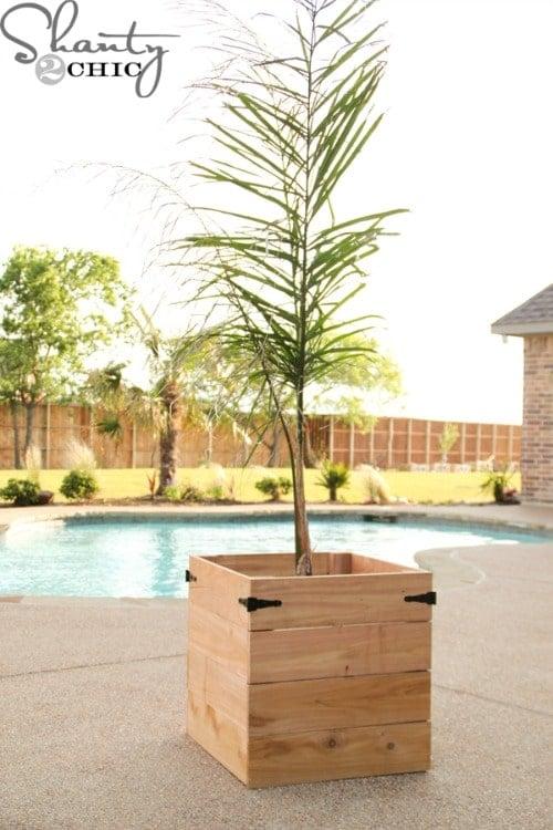 DIY-Cedar-Planter-Box