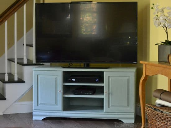 Chalk Paint Tutorial and TV Stand Makeover- Using chalk paint is so easy with gorgeous results! No prepping, no sanding, no priming!