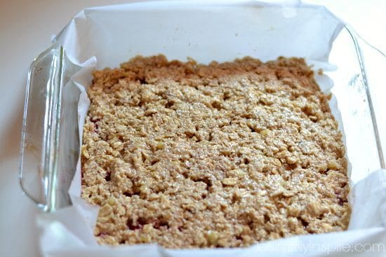 Strawberry Banana Oatmeal Bars