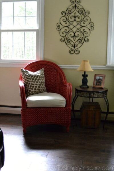 How to Paint Wicker Furniture with a Brush12