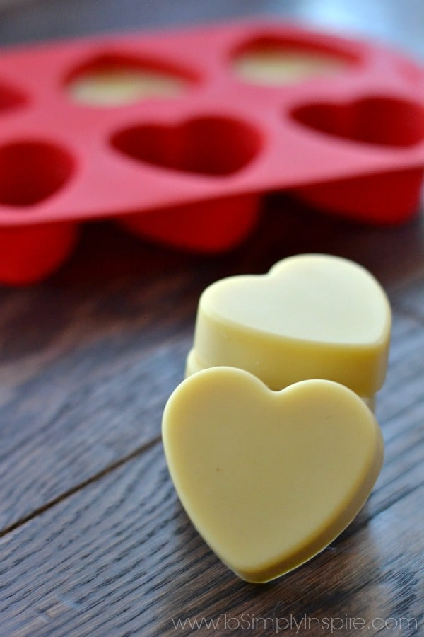 These Easy Homemade Lotion Bars are a wonderful, convenient, ultra-moisturizing DIY beauty product. Made with simple all natural ingredients, they are quick to make but last longer than regular lotions.