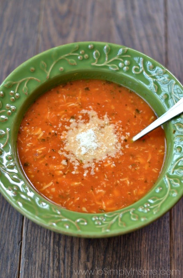 This mouthwatering Tomato Basil Chicken Soup is healthy, robust and so ...