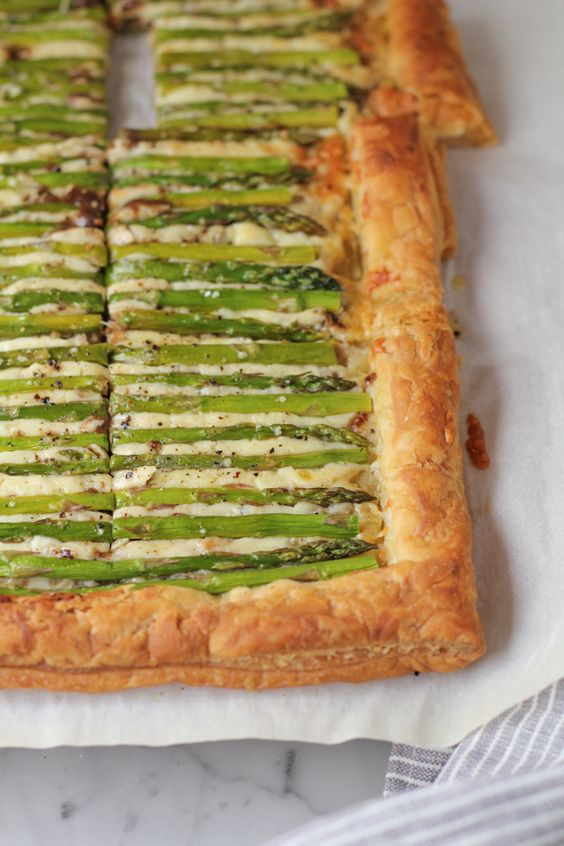Asparagus Gruyere Tart from Hip Foodie Mom