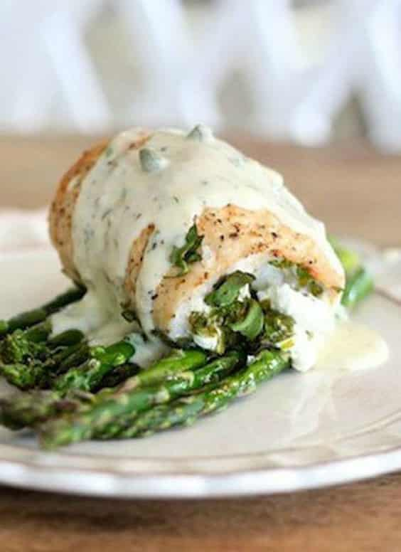 Spinach and Goat Cheese Stuffed Chicken Breasts with Roasted Asparagus ...
