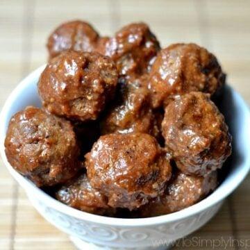 A bowl of Meatballs