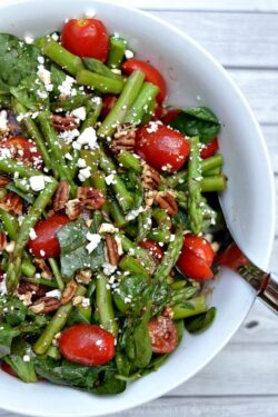 Spinach, Asparagus, Tomato Salad with Balsamic Vinaigrette