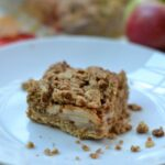 Apple Oatmeal Crumb Bars