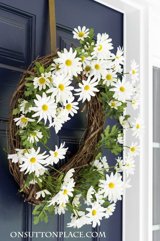 a wreath of white daisies