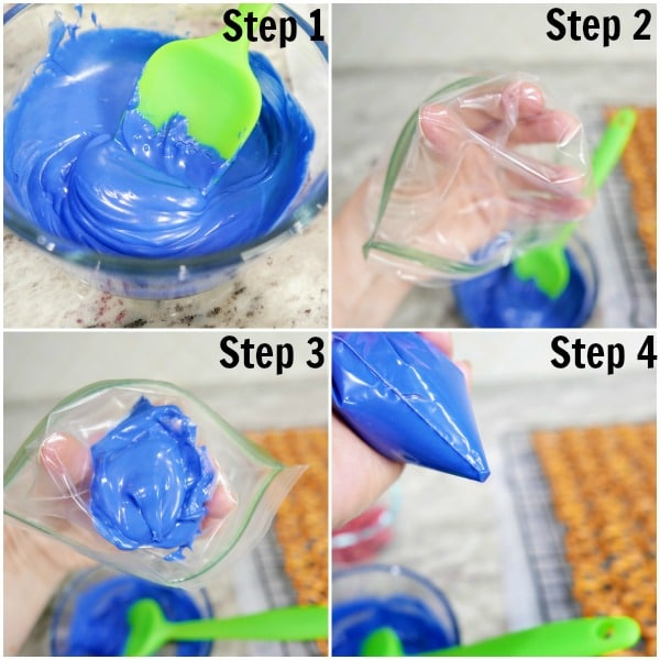 A plastic baggie filled with blue frosting