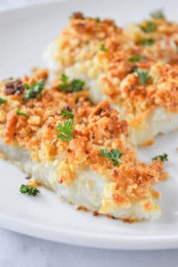oven baked cod fillets with a crispy cracker topping